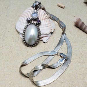 Large mother of pearl moonstone silver necklace